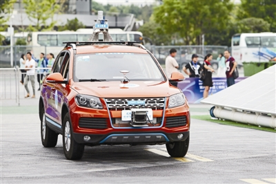 在今年科博会上亮相的成都造无人驾驶汽车